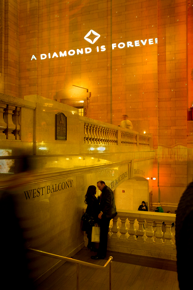 Romance shopping - Grand Central Station NYC