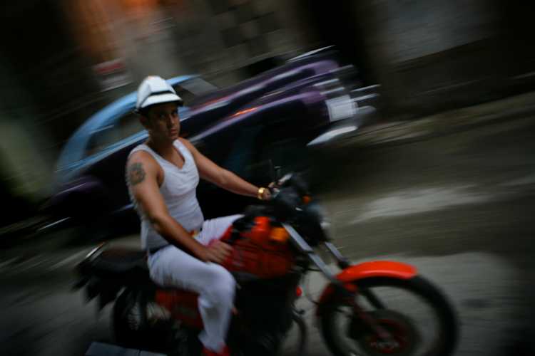 Cuba American Families Allowed to return home with no restrictions : Havana : Cuba