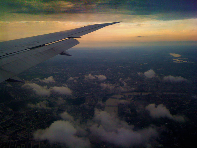 Dodgy iphone over London : London Approach to Heathrow : UK