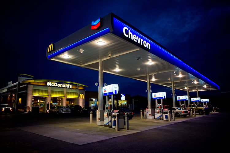 Nighttime Road Trip: Chevron McDonalds : Tennessee