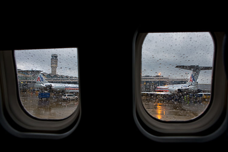 Rain at DCA : American Airlines at DCs Reagan National Airport : Washington DC
