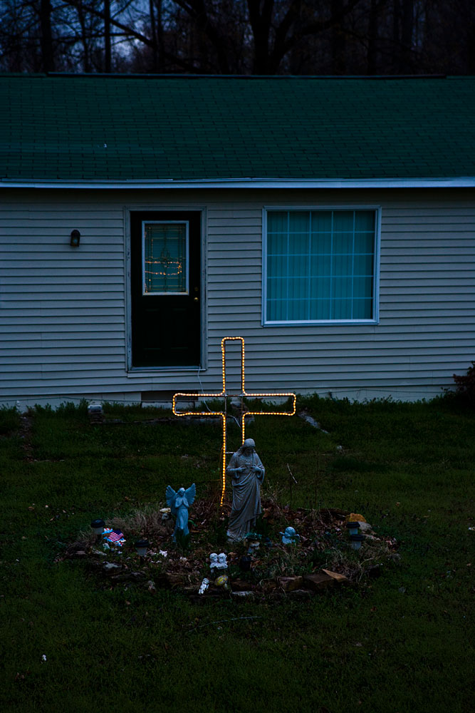Illuminated Crucifix : Cowan : Tennessee