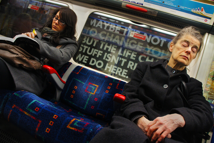 Tube Sleeper : Piccadilly Line to Heathrow : London