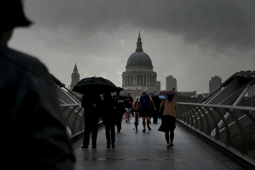 Grim Day St Pauls Cathedral : Millennium Bridge over The Thames : London