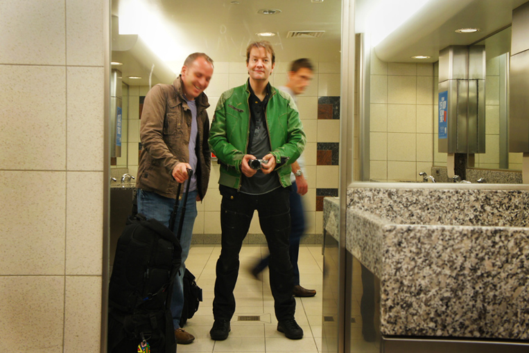 Matt and Jez in the Bathroom :  Atlanta HJ Airport : USA