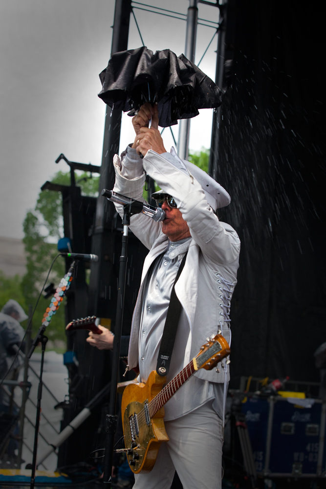 Cheap Trick in the Rain On Earth Day : The Mall : Washington DC