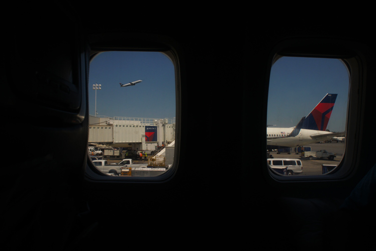 Wheels Up : Delta Aircraft at LGA : New York City