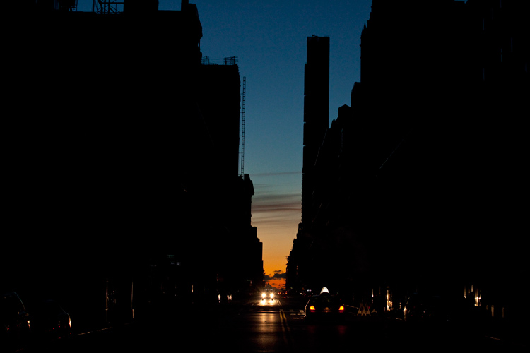 Dawn in Blackout Manhattan : 23rd St : NYC