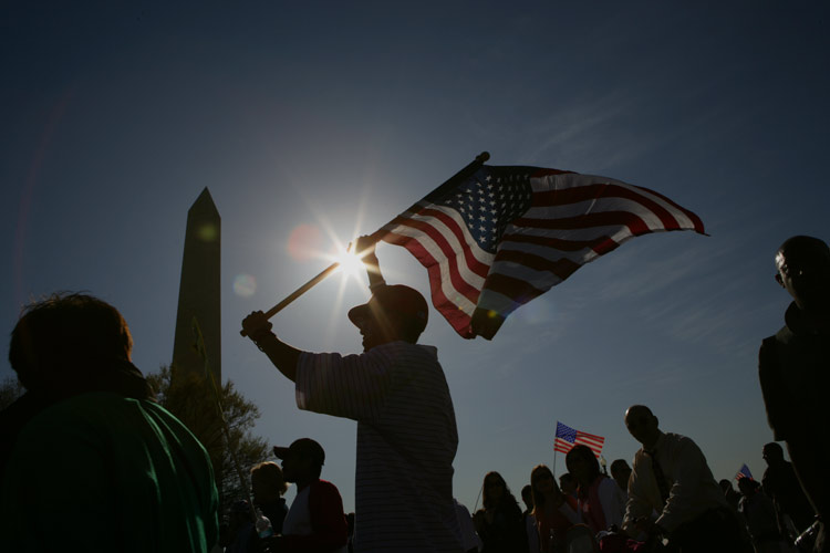 Immigrants Rally to the Flag :  Washington DC