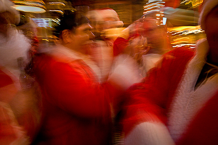 Happy Holidays : SantaCon Pub Crawl : Manhattan NYC