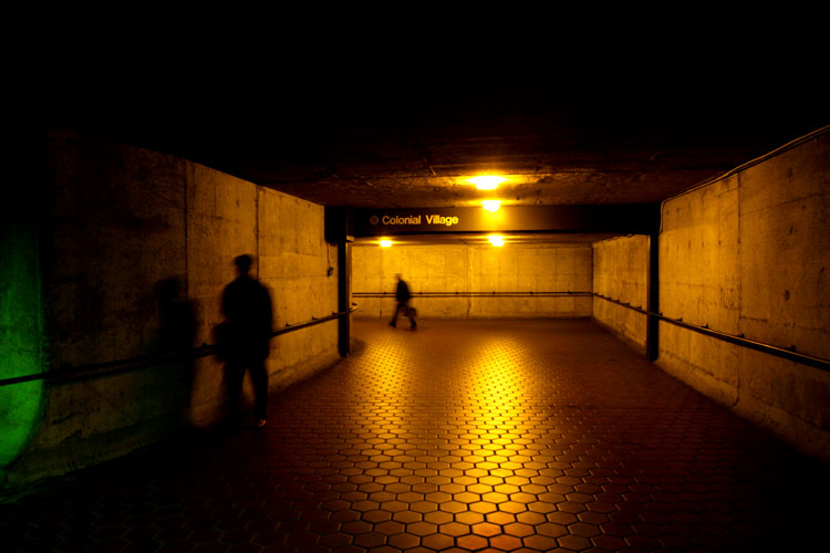 Pedestrian Tunnel : Court House Metro Station : Virginia