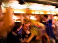 US Score and the Fans Go Crazy : Pipers Pub : Pittsburgh