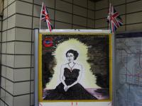 Drawing of The Queen : Caledonian Road Tube Station : London