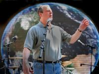 Hey I'm trapped in this small bubble and its getting pretty hot : Al Gore - Live Earth : Washington DC