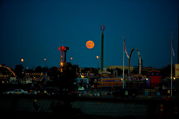 Moonrise over State Fair : Wisconsin State Fair from the I94 : USA