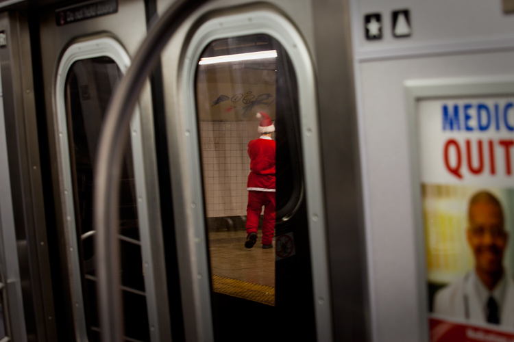 Santa Subway : World Trade Centre : NYC