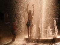 Girls in Fountain : Washington Square : New York City